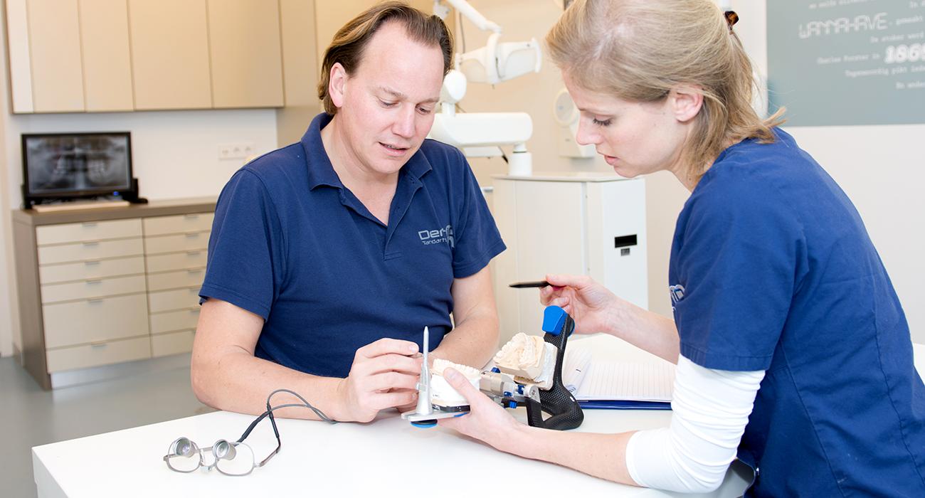 e8538a217a9b20 Wij overleggen met u welke behandelingen in uw geval mogelijk en nodig  zijn. In onze praktijk bieden we algemene tandheelkundige zorg en  specialistische ...